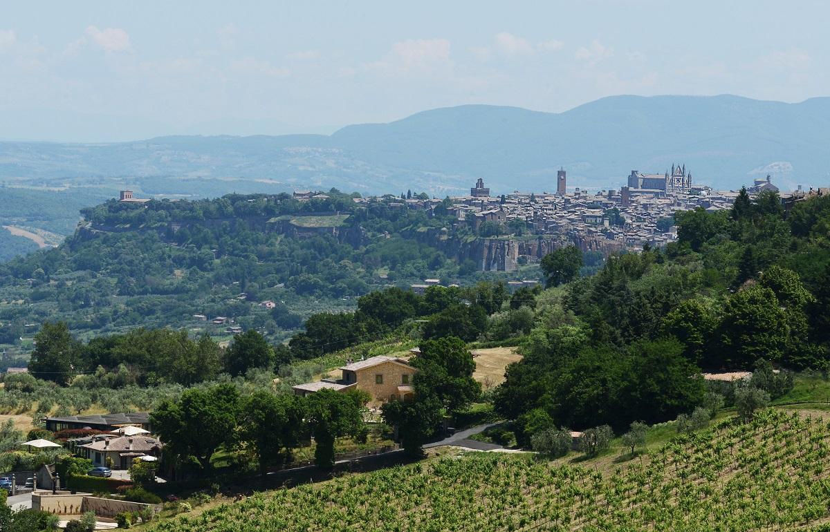 Panorama-Orvieto-Altarocca-Rocca-Ripesena