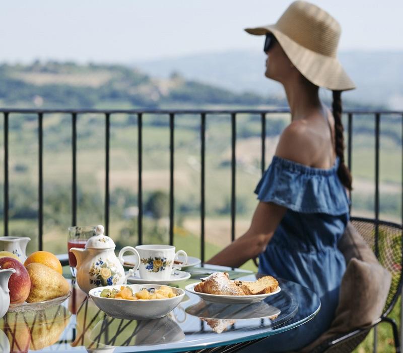 altaroccawineresort-breakfast-with-view